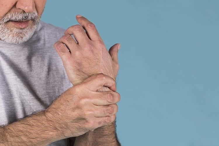 Osteoartrit (Kireçlenme) ve Romatoid Artrit (İltihaplı Romatizma) Arasındaki Farklar Nelerdir?