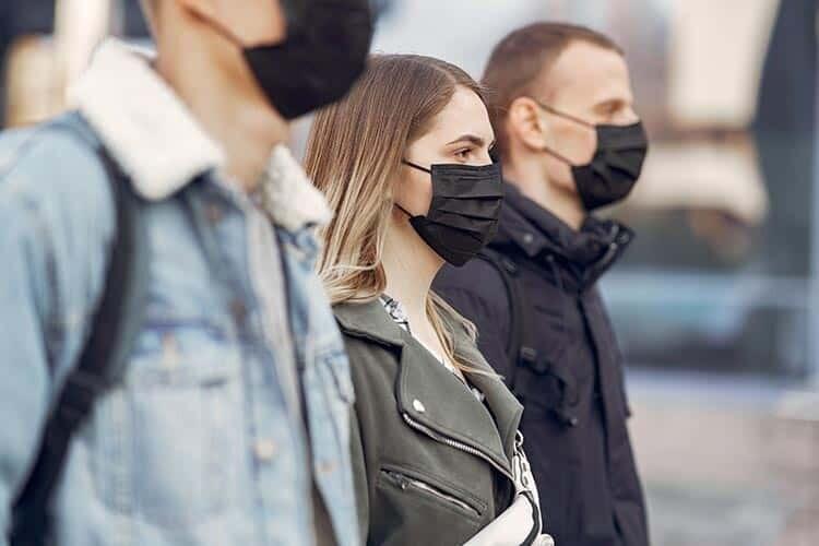 Covid-19 Aşısı Olduktan Sonra Maske Takmam Gerekir Mi?